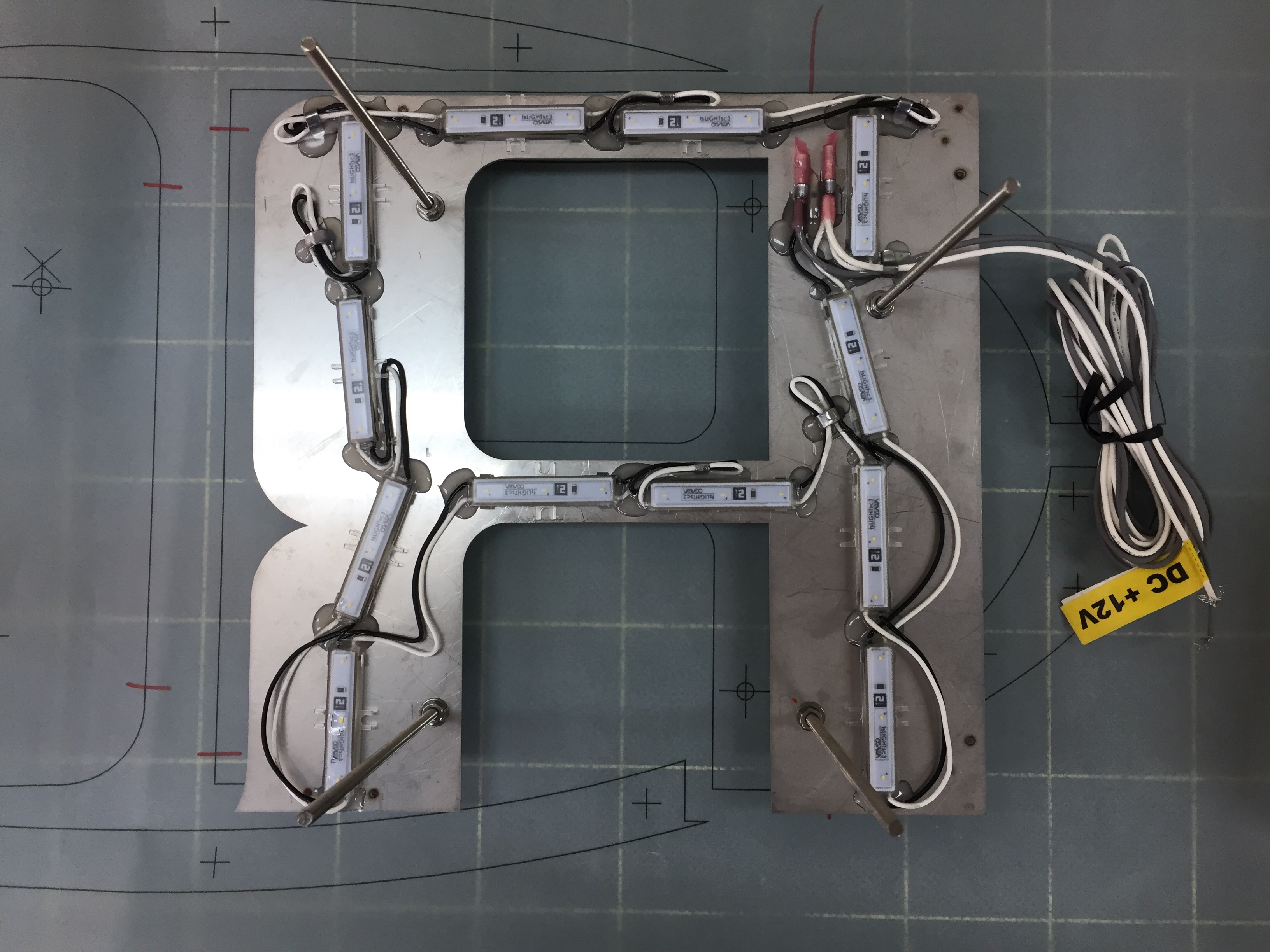 箱文字の裏面LED